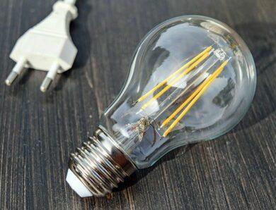 Zasady pozwalające na zachowanie bezpieczeństwa z elektrycznością w domu